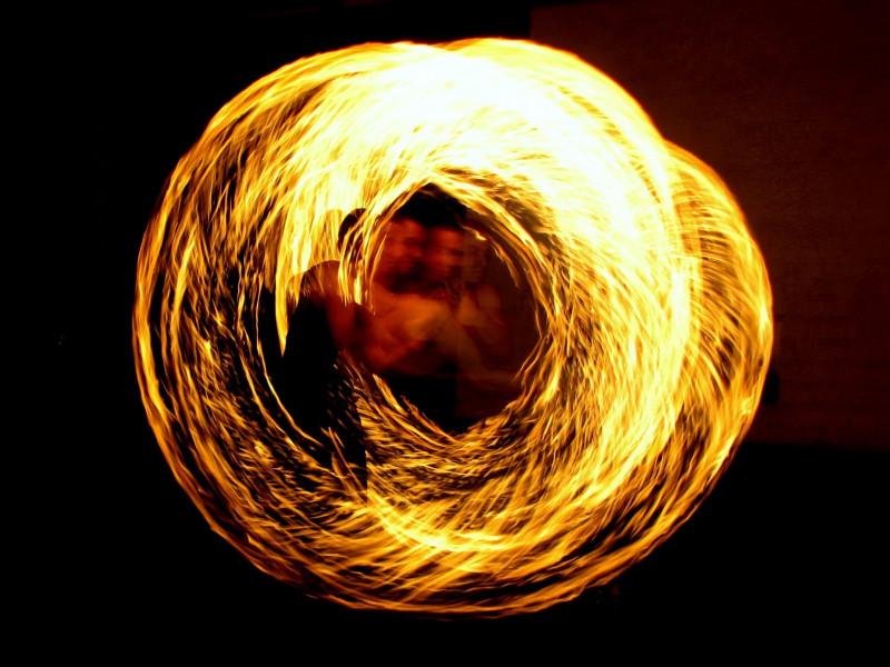 fire-eaters-1605681-gross